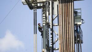 W KLUKOWEJ HUCIE FIRMA BNK Petroleum Inc ROZPOCZĘŁA TESTOWY ODWIERT W POSZUKIWANIU GAZU ŁUPKOWEGO ODWIERT BĘDZIE SIĘGAŁ NA OK 4000 METRÓW.
