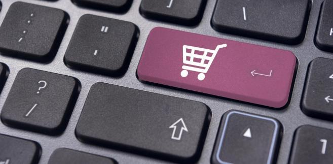 Zakupy przez internet w zagranicznych sklepach? Sprawdź, jak nie dać się oszukać