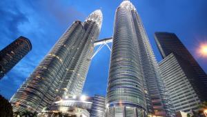Petronas Twin Towers w Kuala Lumpur. Fot. charnsitr / Shutterstock.com