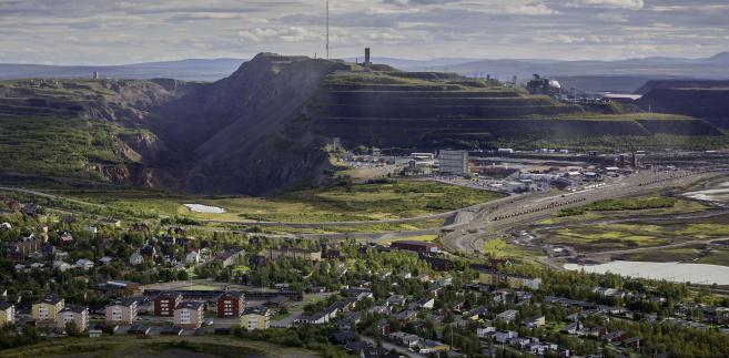 Widok na kopalnię rudy żelaza w Kirunie