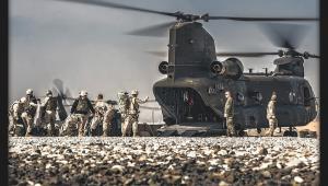 Przemieszczenie pomiędzy bazami. Polska misja w Afganistanie. Fot. st. chor. szt Adam Roik. Combat Camera DO RSZ