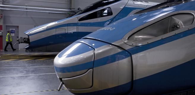 Pociąg Pendolino w barwach PKP Intercity w centrum serwisowym Alstomu, 06.02.2015