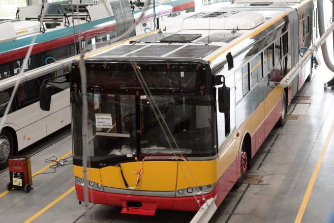 W fabryce firmy Solaris Bus & Coach S.A. w Bolechowie koło Poznania powstają autobusy komunikacji miejskiej dla Miejskich Zakładów Autobusowych w Warszawie. (ukit) PAP/Jakub Kaczmarczyk