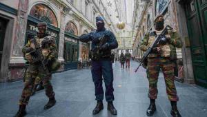 Policja i wojsko na ulicach Brukseli EPA/STEPHANIE LECOCQ Dostawca: PAP/EPA.