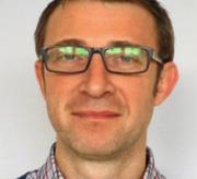 Wojciech Glac adiunkt w Pracowni Neurobiologii Katedry Fizjologii Zwierząt i Człowieka Uniwersytetu Gdańskiego, zajmuje się indywidualnym zróżnicowaniem reaktywności na substancje psychoaktywne. Jest organizatorem Dni Mózgu w Trójmieście odbywających się w ramach Światowego Tygodnia Mózgu materiały prasowe
