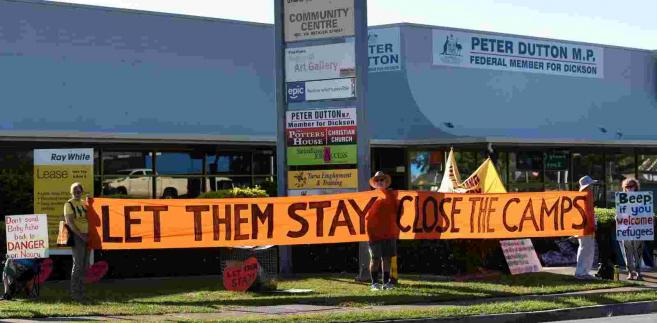Protesty przeciw polityce imigracyjnej Australii EPA/DAN PELED AUSTRALIA AND NEW ZEALAND OUT Dostawca: PAP/EPA.