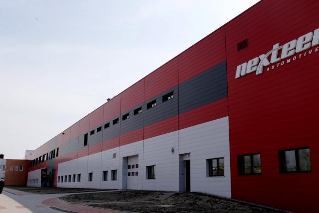 Otwarcie trzeciego europejskiego zakadu Nexteer Automotive w Tychach.  Fot. (kru) PAP/Andrzej Grygiel