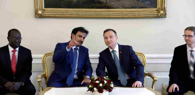 Prezydent Andrzej Duda (2P) i emir Kataru szejk Tamim ibn Hamad Al Sani (2L) przed rozpoczęciem rozmów w cztery oczy w Pałacu Prezydenckim w Warszawie, 5 bm. (zuz) PAPRafał Guz