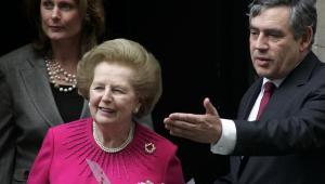 Margaret Thatcher podczas postkania z Gordonem Brownem