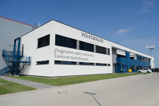 Nowe Centrum Dystrybucyjne Volkswagen Group Polska w Komornikach pod Poznaniem, otwarte 24 bm. (jk/mr) PAP/Jakub Kaczmarczyk