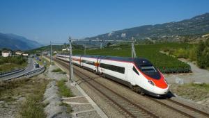 Fot. 2 Pendolino ETR 610. Pociąg Alstomu dla SBB w drodze z Genewy do Wenecji