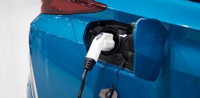 Tankowanie samochodu wodorem