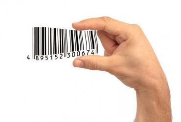 Podczas zakupów wcale nie zachowujemy się tak racjonalnie, jak nam się wydaje. Wartość towaru i jego cenę określają również nasze wyobrażenie o nim oraz uczucia, jakie w nas budzi Fot. Shutterstock