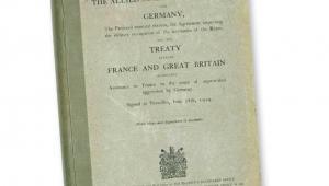 Okładka traktatu wersalskiego z 28 czerwca 1919 r. fot. mat. prasowe