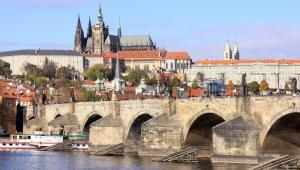 Widok na miasto Praga - stolicę Czech
