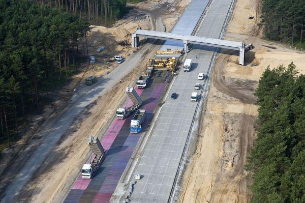 Autostrada A2 na odcinku Świecko - Nowy Tomyśl w czasie budowy Źródło: Ministerstwo Infrastruktury, fot. Autostrada Wielkopolska