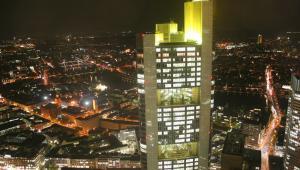 Widok na centrum Frankfurtu, stolicy finansowej Niemiec.