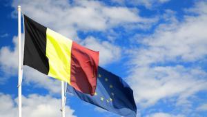 Flagi Belgii i Unii Europejskiej, fot. Diego Barbieri
