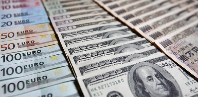 Waluty: euro, dolary i jeny